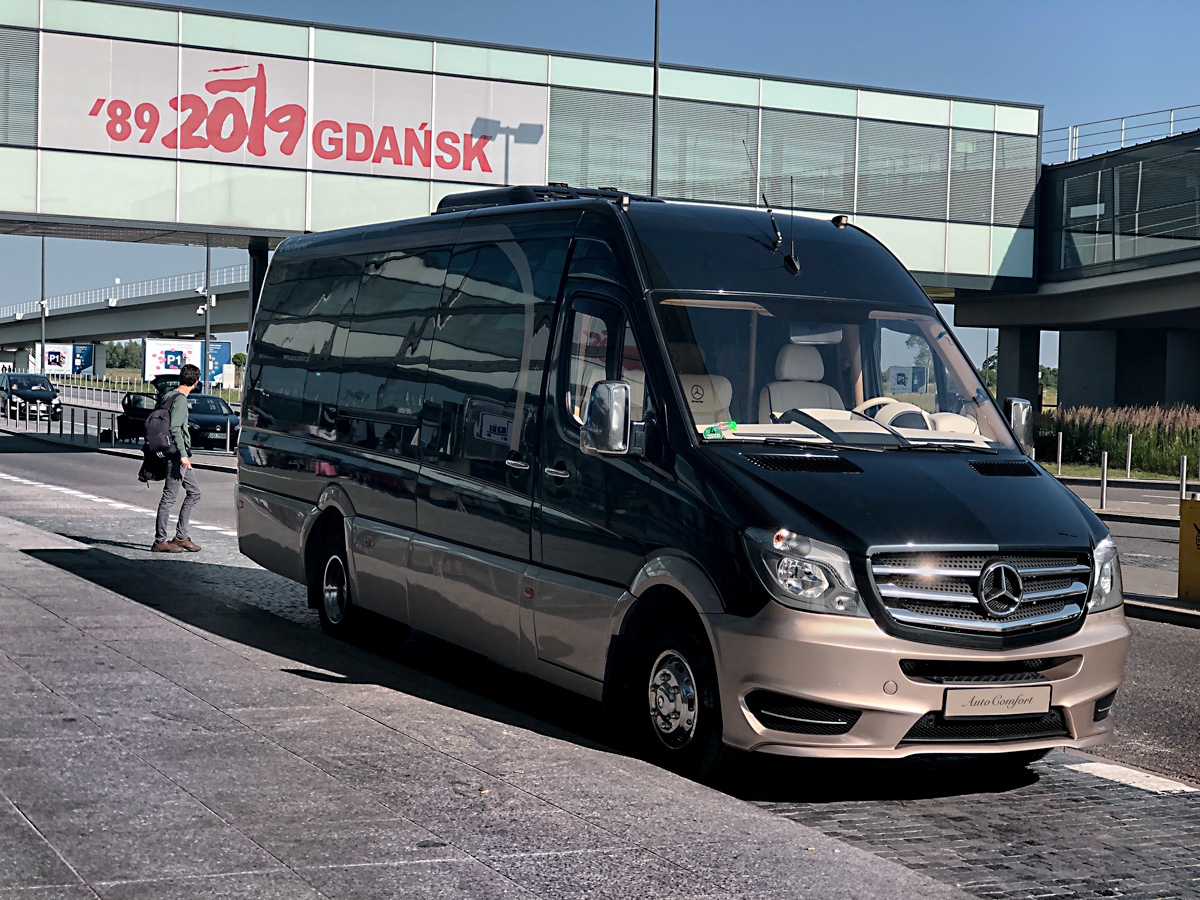 wynajem luksusowego busa autocomfort w Polsce